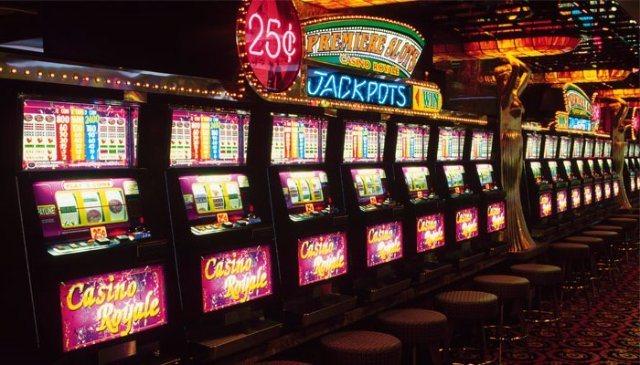 Кто хочет подзаработать в автоматах казино Вулкан?