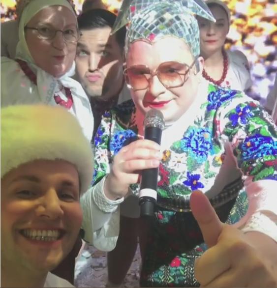 Верка Сердючка развлекала в Новый год россиян под Москвой