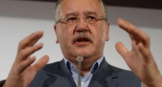 Экс-министра обороны Гриценко опять подловили на вранье