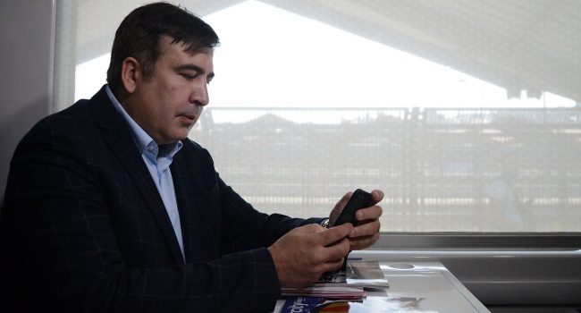 Саакашвили отказывается предоставить образцы своего голоса, потому что знает, что на пленке зафиксирован его разговор с Курченко, – аналитик