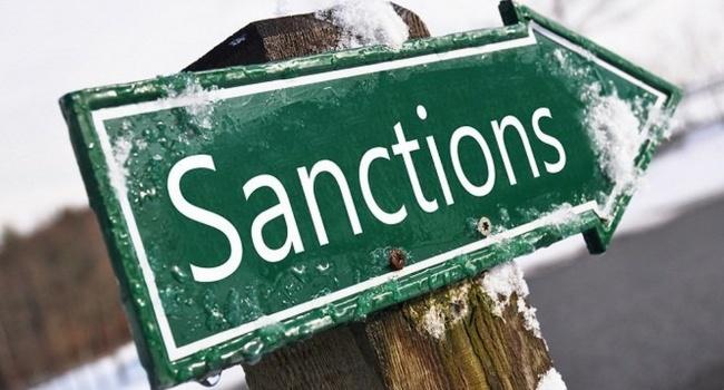 Российские олигархи лихорадочно упрашивают США не включать их санкционный список, — Bloomberg