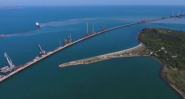 Стало известно, как строительство Керченского моста ударило по экономике Украины