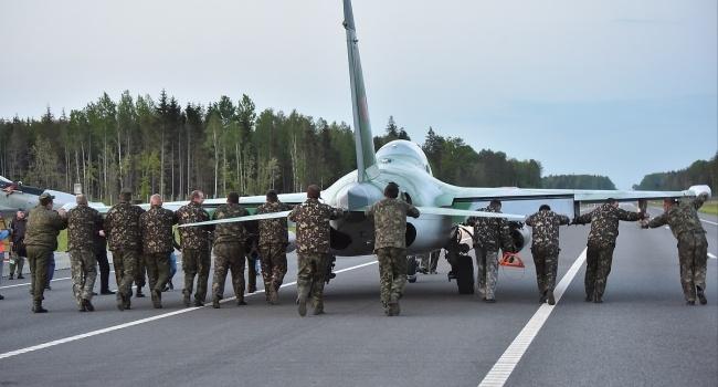 Совпадение? – Цимбалюк о посадке истребителей РФ на трассу у границы с Донбассом после испытания ЗРК Украиной