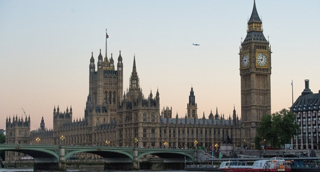В нижней палате парламента Великобритании одобрили законопроект о Brexit