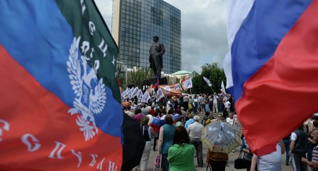 Политологи рассказали о важном нюансе в законе о реинтеграции Донбасса