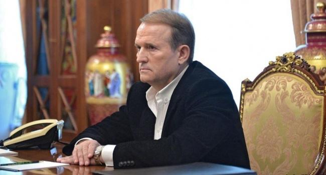 Журналист: в Украине Медведчук обречен на поражение