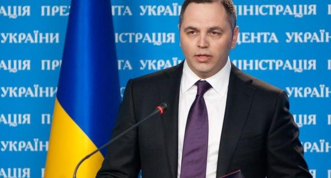 Блогер: доки ми сміялися з «дідуся Азірова», «легітимного в Ростові» пост Портнова зібрав вже більше тисячі лайків