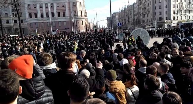 Активисты Навального в Москве – Жириновскому: «Зачем мне Украина? Мне работать нет где!»
