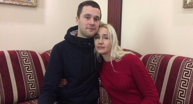 Сбежавшие из Крыма украинцы рассказали о шантаже, вербовке и пытках ФСБ на полуострове
