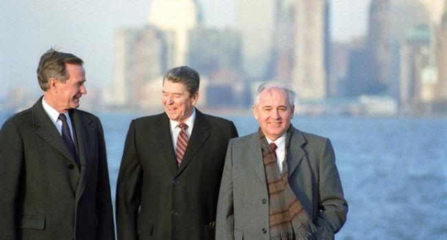 Политолог: диалоги с Москвой надо вести уже в такой ситуации, как когда-то с Горбачевым вел их Рональд Рейган