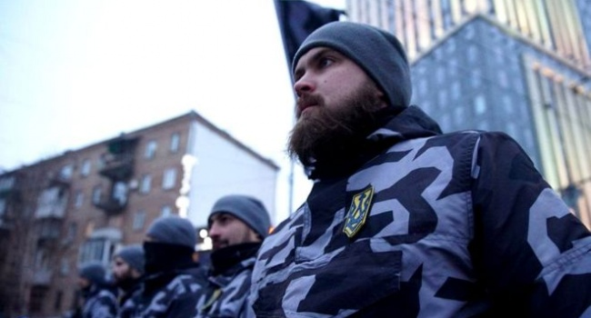 Лавров напуган: «Национальная дружина Украины является неонацистской»