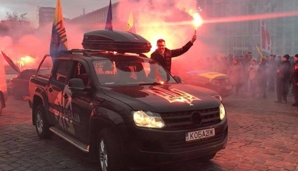 Сторонники Саакашвили устроили митинг у дома Порошенко