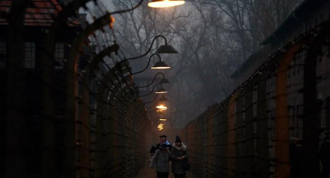 Политолог: задача выполнена на отлично – теперь поляков будет весь мир сравнивать с нацистами