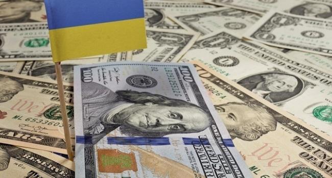 Политолог: проголосованного закона об Антикоррупционном суде может хватить для получения очередного транша МВФ