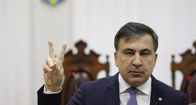 Блогер: Саакашвили пора начинать паковать чемоданы, чтобы потом не устраивать цирк на камеру