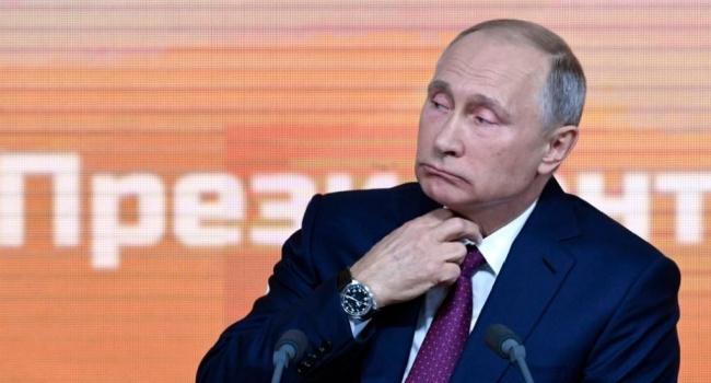 Политолог РФ рассказал, чем грози внесение Путина в «кремлевский доклад»