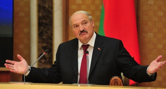 Лукашенко посетовал, что в Беларусь пришла очень большая проблема из-за войны на Донбассе