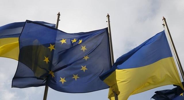 Пономарь: «Уставший Запад снова помогает Украине»