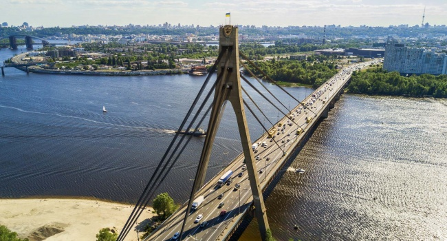 Киевсовет переименовал Московский мост