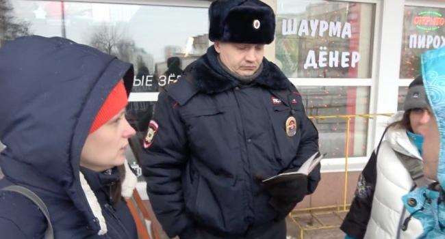 «Народ достоин своего правителя»: россиян перед кортежем Путина загнали «как скот» в кафе – соцсети возмущены