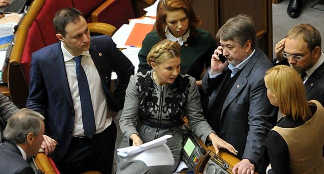 У Украины нет времени на модернизацию армии, Россия снова ведет к власти своих агентов типа Тимошенко и Гриценко, – блогер