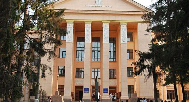 Вуз Киева, оказавшийся в центре скандала, объявил о бессрочной забастовке
