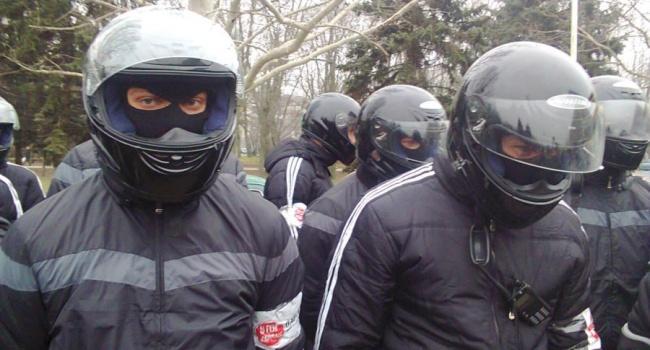 Одесский активист рассказал, как титушки Труханова контролируют город