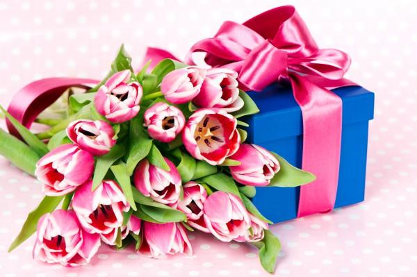 Выбираем подарки к 8 Марта