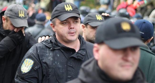 «Герой» Иловайска Семенченко возмущается, как полиция себя вела с «героями» Иловайска в палаточном лагере