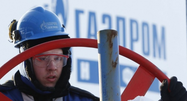 Кремль платить не намерен, поэтому предупредил Европу, что будет, если Украина начнет в оплату долга отбирать газ из трубы, – блогер