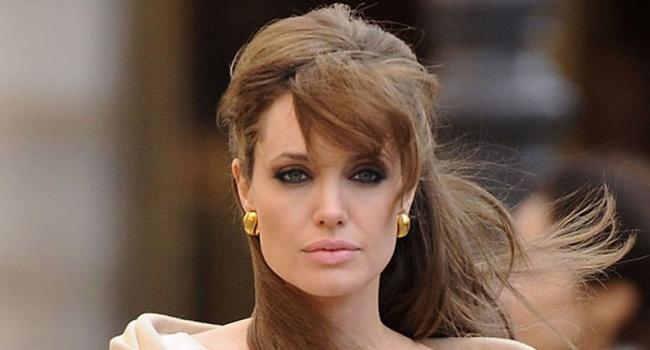 Джоли обиделась на Киноакадемию и не пришла на церемонию «Оскар»
