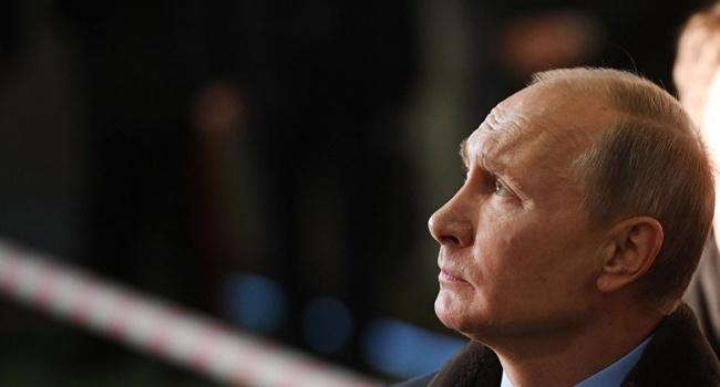 Путин заявил, что он переживает за всех, кто с оружием на Донбассе и за украинских военных в том числе