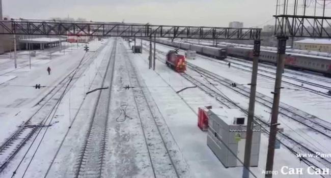 Сотрудник полиции открыл стрельбу в  пассажирском поезде