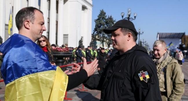 Блогер: Путину все равно, кто в центре Киева начнет гражданскую войну – Рубан или, завернутый в украинский флаг, Соболев