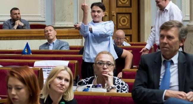 Полтора года назад Савченко уже анонсировала возможный теракт в Раде, сравнив себя с Чорновилом