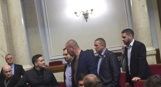 Нусс: украинский парламент должны временно взять под особый режим охраны