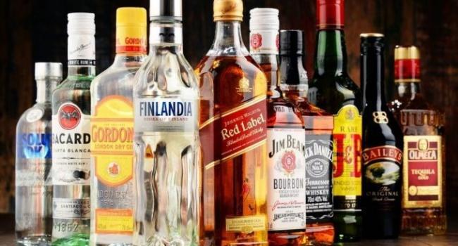Пьянству бой: в Украине запретили продавать алкоголь, — подробности