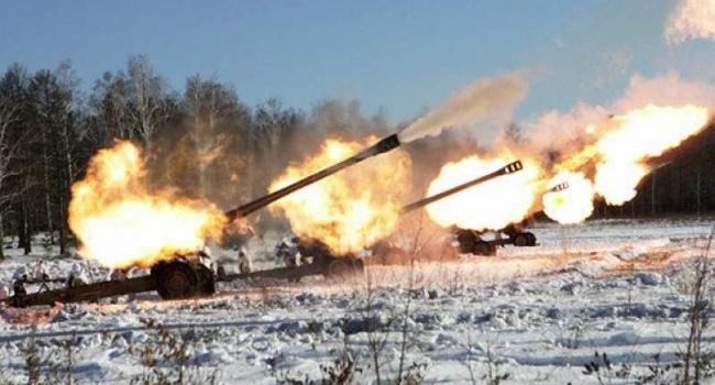 Боевики сорвали перемирие, нанесши мощный артиллерийский удар по Авдеевке: разрушены дома