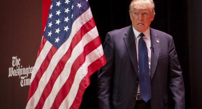 Журналист: сегодня ночью на Трампа в СМИ выйдет новый убойный компромат
