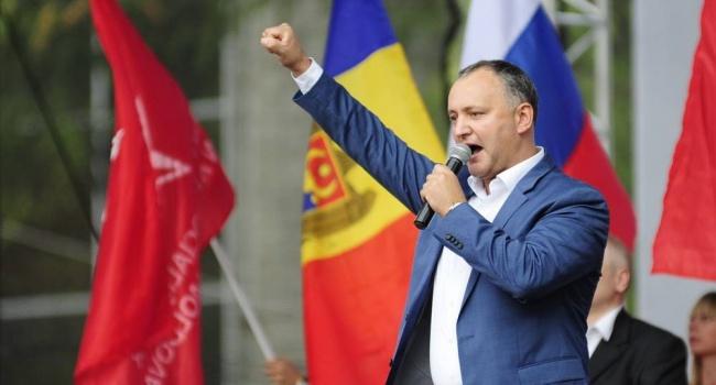 Друг Путина Додон объявит трех дипломатов РФ персонами нон грата и вышлет из Молдовы
