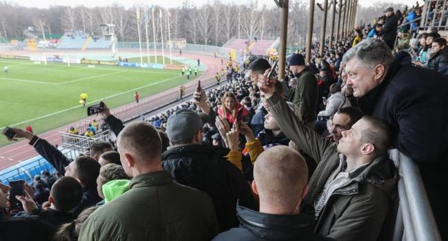 Порошенко привез в Мариуполь несговорчивое «Динамо» и Суркиса