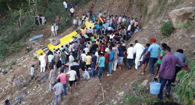 Страшное ДТП в Индии: погибли десятки детей