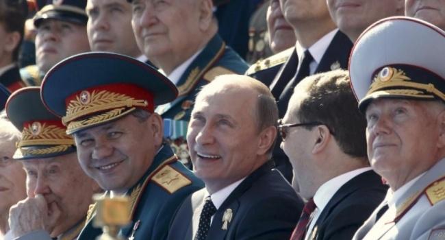 Блогер: в России приближается очередная грандиозная фальсификация и безумная попойка с плясками на костях