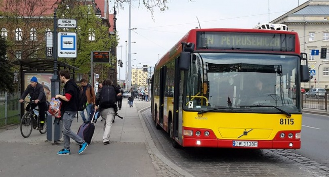 Во Вроцлаве в транспорте появилось обслуживание на украинском языке