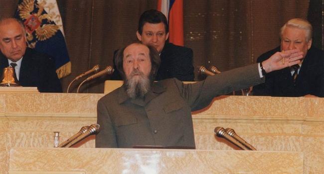 Тайное становится явным: вместо Ельцина президентом мог стать Солженицын, а вместо Путина – Михалков