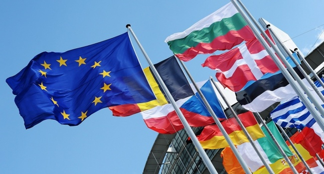 Евросоюз приступает к переговорам с Македонией и Албанией