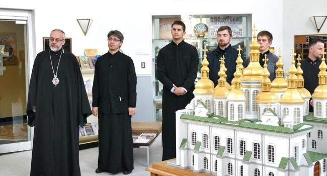 УПЦ в США поддерживает создание в Украине единой поместной православной церкви