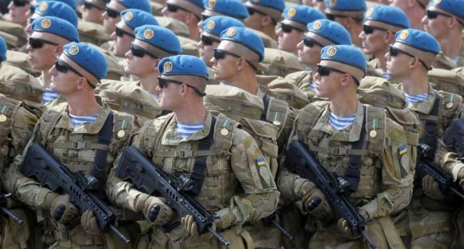 Украинская армия с начала агрессии РФ увеличилась 6000 боеспособных частей до 250 000 боеспособного войска