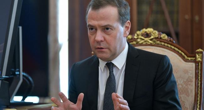 Медведев предлагает вводить индивидуальные санкции в отношении американцев