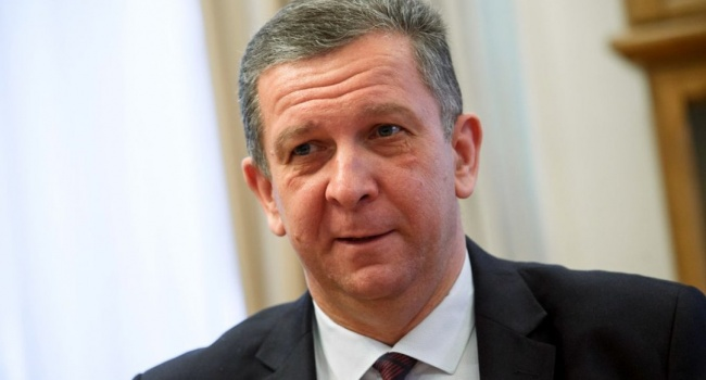 НАПК внесло предписание министру соцполитики Украины Андрею Реве